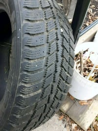 snow tire ....80 % left. Bradford West Gwillimbury, L3Z
