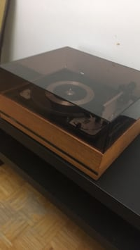 Dual 1009F turntable in good working condition Mississauga, L4X