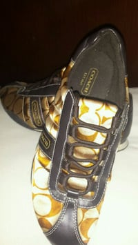 black and yellow Adidas soccer cleats Hamilton, L8M 1A4