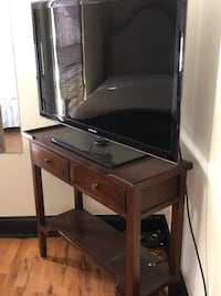 Solid wood electronics stand Franklin