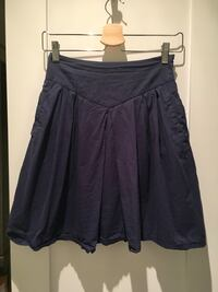 Pleated navy blue skirt Richmond, V7E 2S1