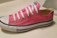 Pink Converse low-top sneakers Mountain House