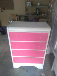 white and pink wooden 4-drawer chest St Martinville, 70582
