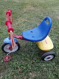 blue and red trike Madison, 53715