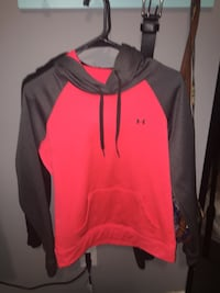 red and black Under Armour pullover hoodie Knoxville, 37918