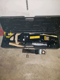 Car or truck jack , never been used in te original case