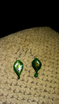 pair of green-and-silver hook earrings Greeneville, 37743