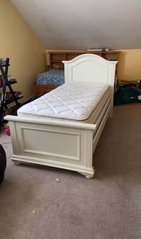 Girls twin bed