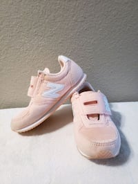 New Balance little girls shoes (sneakers)  size 10