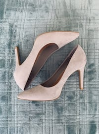 Christian Siriano gray velvet pumps | Size 8.5 | Condition: Like new, worn once. Newark