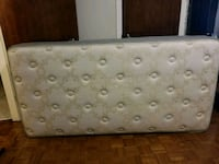 rectangular gray and black leather ottoman Montréal, H1P 3E2