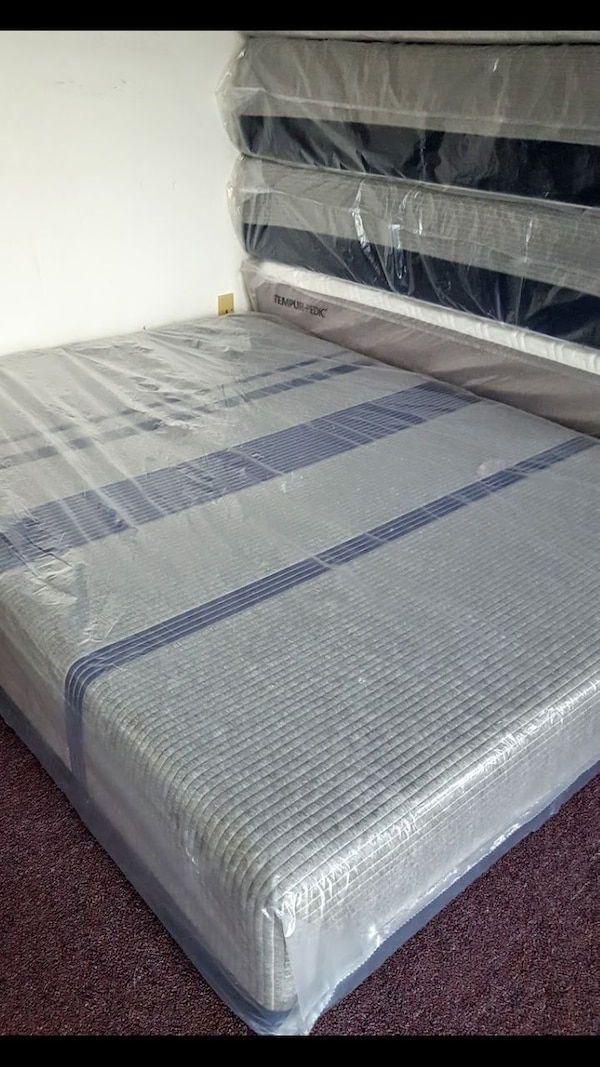 Used New Queen Size Serta Icomfort Blue Max 1000 Plush For Sale In