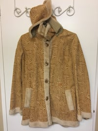 brown button-up jacket London, N6G 3R9