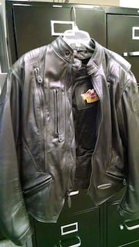 Woman's Harley Davidson Leather Jacket (L) Las Vegas, 89128