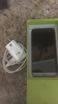 Grey LGG5, screen unresponsive but can be fixed(everything in picture included) PRICE FIRM