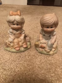 two white ceramic ceramic figurines Woodbridge, 22191