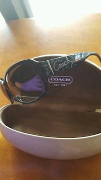 Authentic Coach Womans Sunglasses w/ Coach Case Union City, 94587