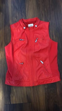 red guess leather vest size medium Port Coquitlam, V3B 8G8