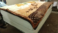 brown and white floral comforter Edmonton, T5K 2H1