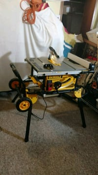 Dewalt rolling table saw and stand