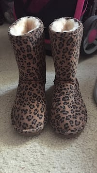 Black-and-brown leopard pattern boots Forest Heights, 20745