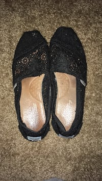 Womens Toms Size  8 Springfield, 97477