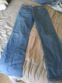 Levi's perfectly slimming boot cut 512 jeans  Huntsville, 35810