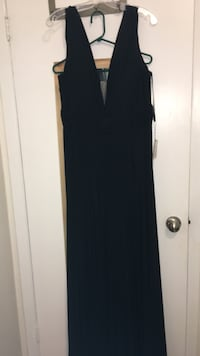 Beautiful BRAND NEW formal dress size 20 fits 18 also Toronto, M5H