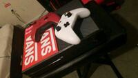 Xbox 1 with 2 controllers Westville, 08093
