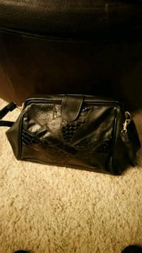 Medium Black Handbag  Manassas, 20109