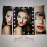 LED lighted Vanity Makeup mirror with 7x and 5x ma Toronto, M2N 5M5