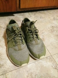 Green Huaraches Shoes (Size 8.5) Bowie
