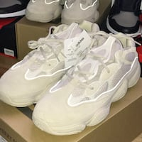 Yeezy 500 blush size (10.5/11) Ds