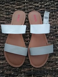 pair of white-and-brown leather Bongo sandals Nashville, 37013