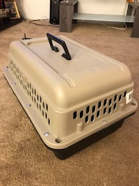 Small dog crate  Greenville, 29601