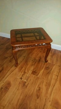 End table 3727 km
