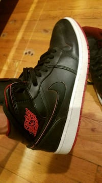 unpaired black and pink Nike Air Force 1 high Alexandria, 22312