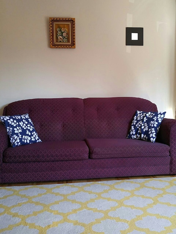 Used Nice silk sofa for sale am muved for sale in Montréal - letgo
