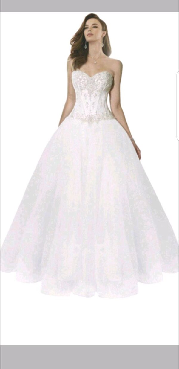 24bcbe2c1a11 Used Plus Size Wedding Dress for sale in Calgary - letgo
