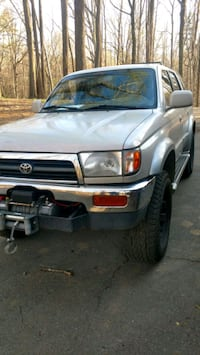 Toyota - Hilux Surf / 4Runner - 1998 Kitty Hawk, 27949