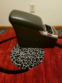 Second row console for 06 R 350 Minneapolis, 55428