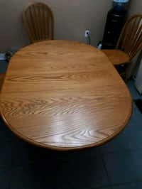 Table and 4 Chairs. Kitchen or Dining.  Aurora, L4G 6Z6