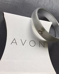 50$ for 15 x Frosted embellished Bangle bracelets by AVON Montréal
