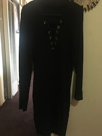 black long-sleeved dress Los Angeles, 90044