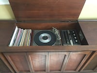 brown wooden framed vinyl player Gastonia, 28056