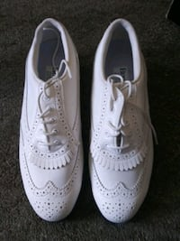 Womens golf shoes (new)