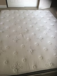 White and gray floral mattress Folsom, 95630