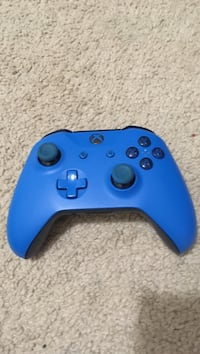 Xbox one controller  Downers Grove, 60515