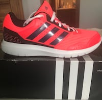 Unpaired red and white adidas low-top sneaker Sioux Falls, 57106