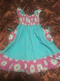 Girl's dress age 4T can fits 3T and 2T Aurora, 80017